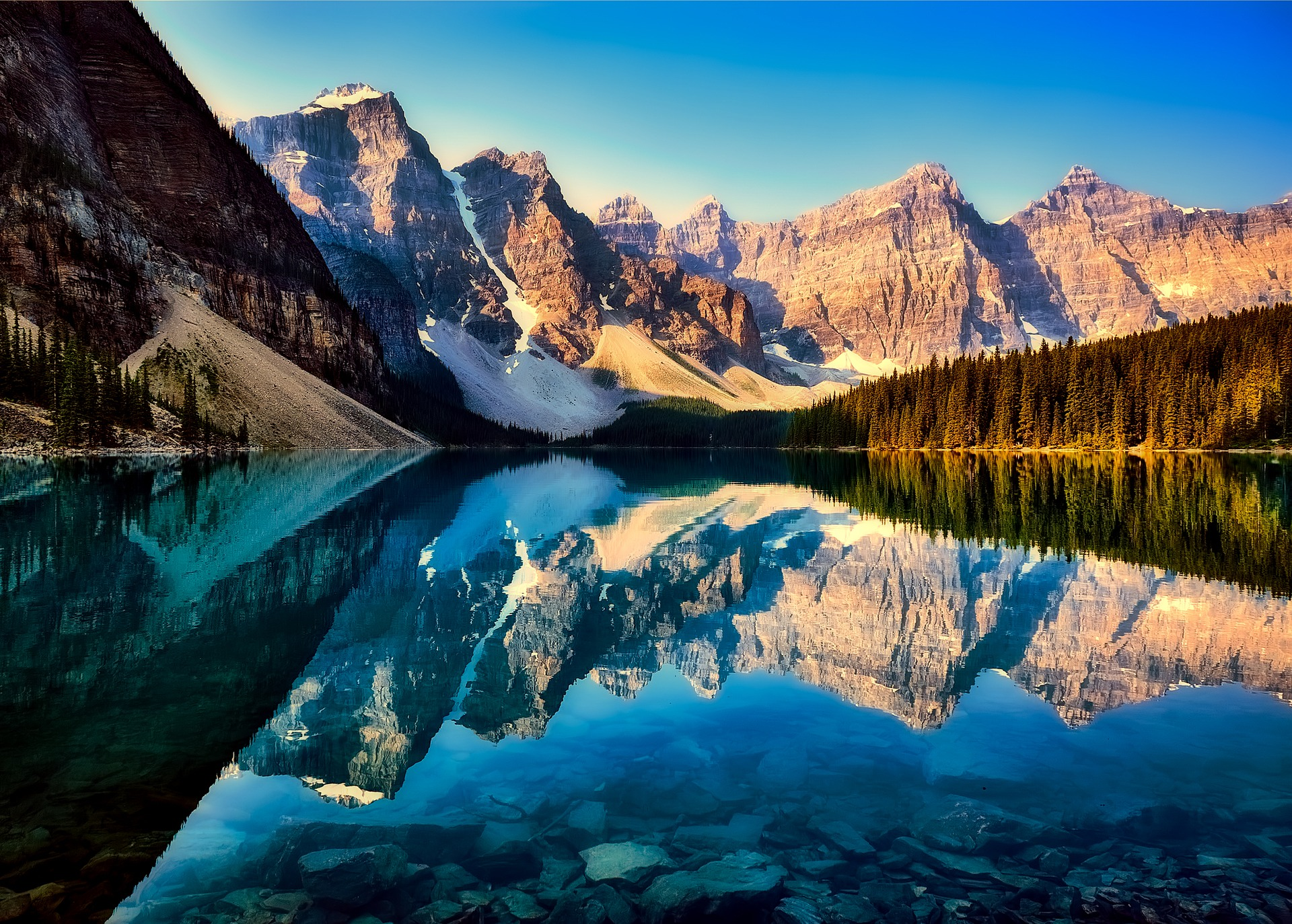 Royalty-Free image from Pixabay https://pixabay.com/en/moraine-lake-reflections-canada-2686353/
